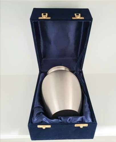 South West Pet Cremations   Urn Presentation Case